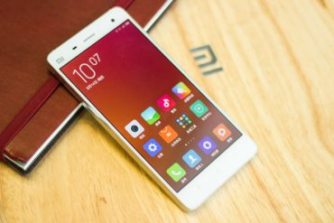 Beda Xiaomi Garansi Resmi dan Distributor, Pilih yang Mana Dong?